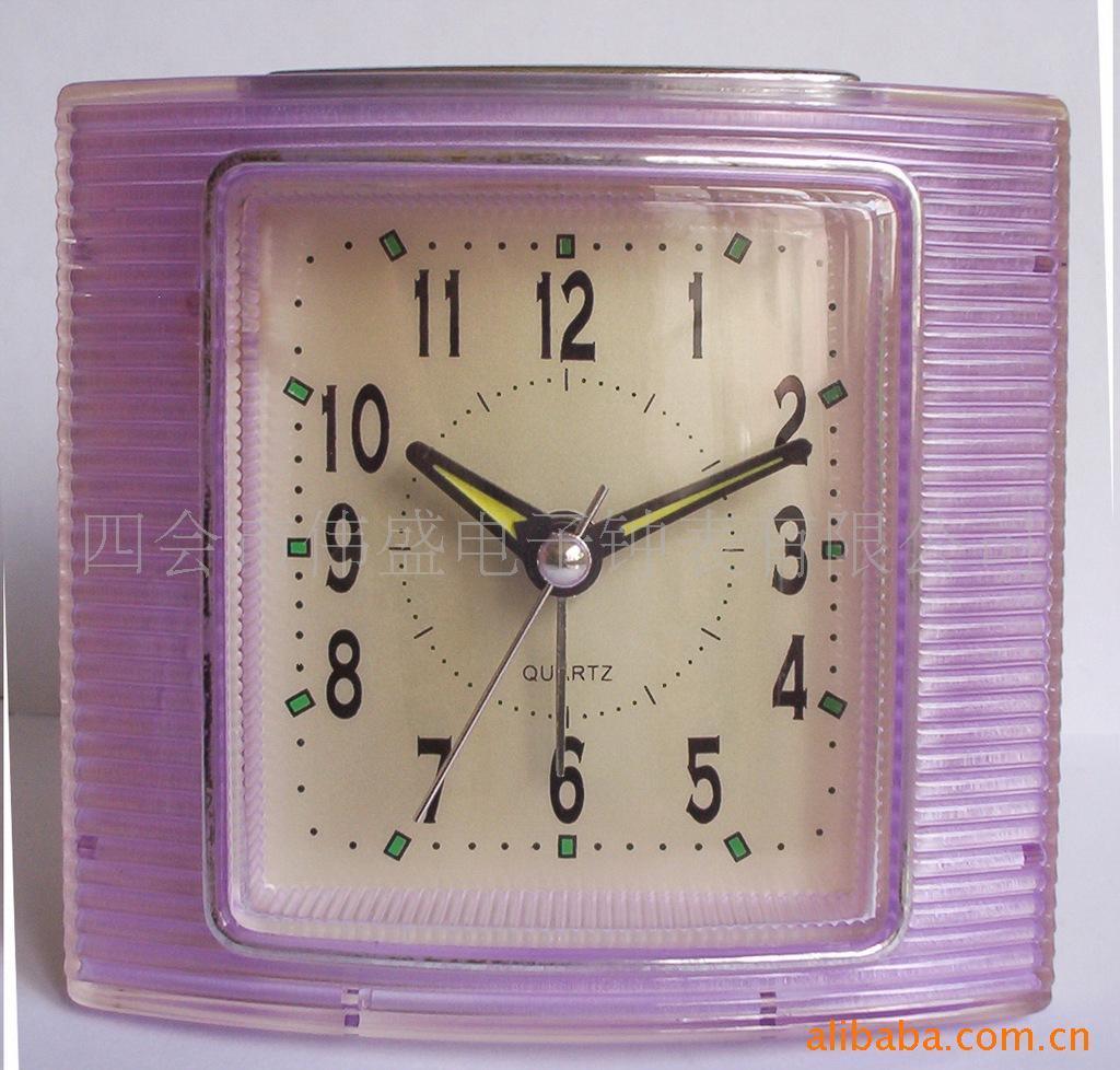 产品详细说明:音乐可做闪光灯,16首音乐四会市伟盛电子钟表有限公司作为一个有着十余年历史的钟表生产和出口加工企业,素以品质优越,设计独特,创新能力强,客户服务至上的企业文化而立足业界。  我公司生产经营的电子钟表系列,款式多样:普通计时钟、装饰闹钟、礼品闹钟、时尚闹钟、卡通闹钟、纪念品闹钟、打铃闹钟、音乐闹钟、鸟鸣闹钟及为有关商家专门设计的广告闹钟等等。  我们公司配备有专业的产品研发队伍,不断探索、创新、追求完美,每个月都推出新的款式来适应市场品味的变化。公司有着配套开发、设计、生产、销售一条龙的服务,